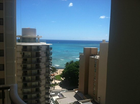 Waikiki Resort Hotel: Waikiki beach