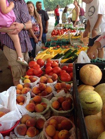 Fredericksburg Farmers' Market: Everything is fresh and organic.