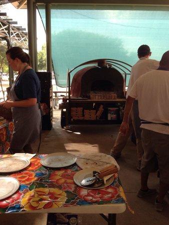 Fredericksburg Farmers' Market: Fresh hand tossed pizza