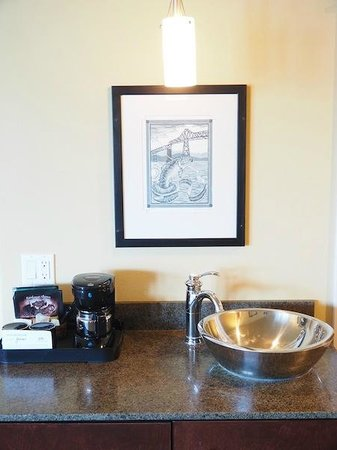 Cannery Pier Hotel : A separate place for the coffee