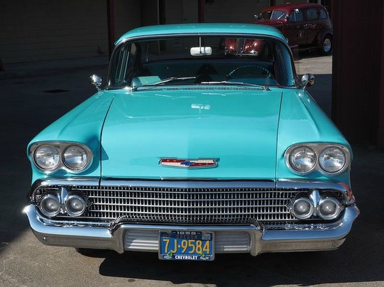 Cannery Pier Hotel : The other vintage, chauffeured car