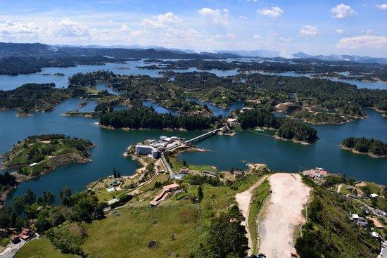 Piedra del Peñol: Panorama de la represa
