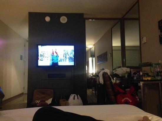 MGM Grand Hotel and Casino : Our room! sorry about the mess hehe!