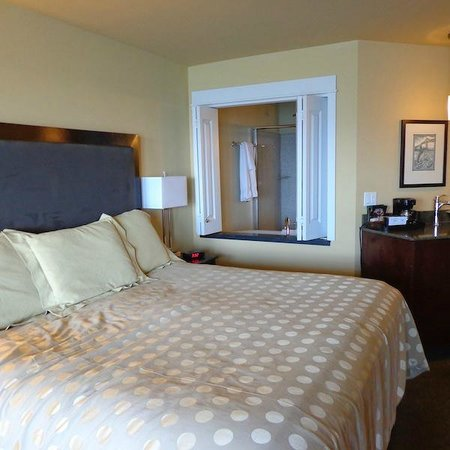 Cannery Pier Hotel : Bedroom