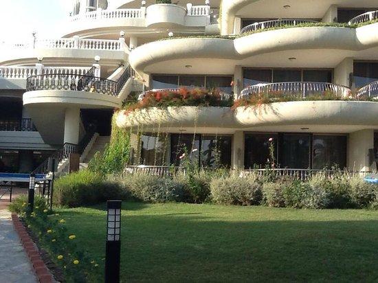 Crystal Sunrise Queen Luxury Resort & SPA: dış görünümü çok hoştu