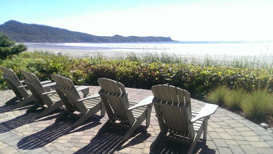 Long Beach Lodge Resort: Sandbar Bistro Deck Chairs
