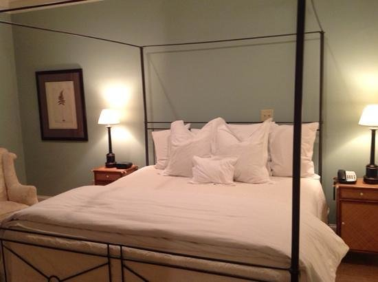 The James Madison Inn: the bedroom in suite 1