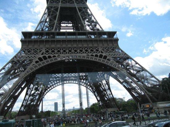 Tour Eiffel : External view of the restaurant.