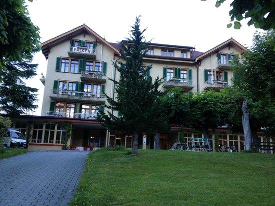 Hotel Falken Wengen: View of front of hotel