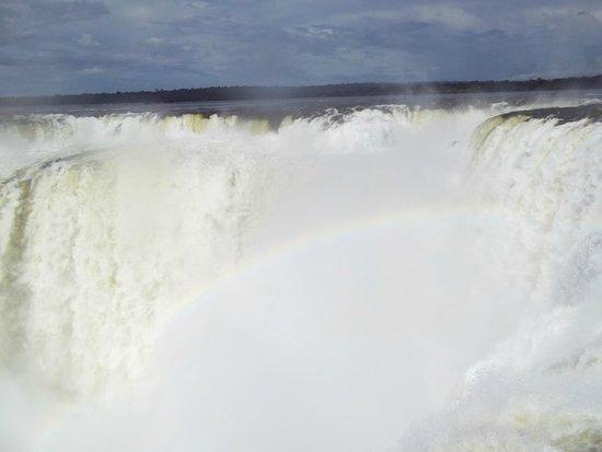Garganta del Diablo: El arcoiris casi al alcance de tus manos!