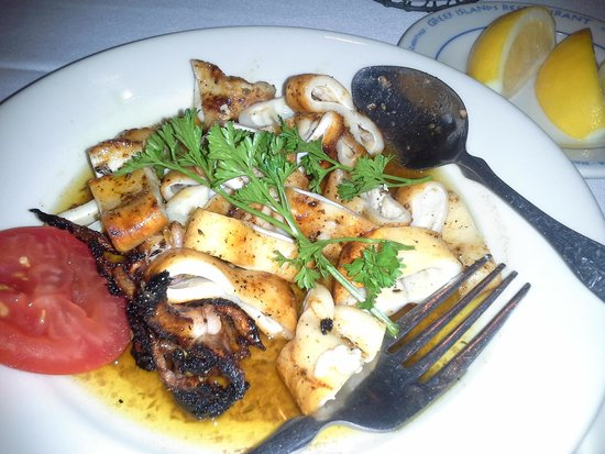 Greek Islands Restaurant West: AMAZING Calamari!!!