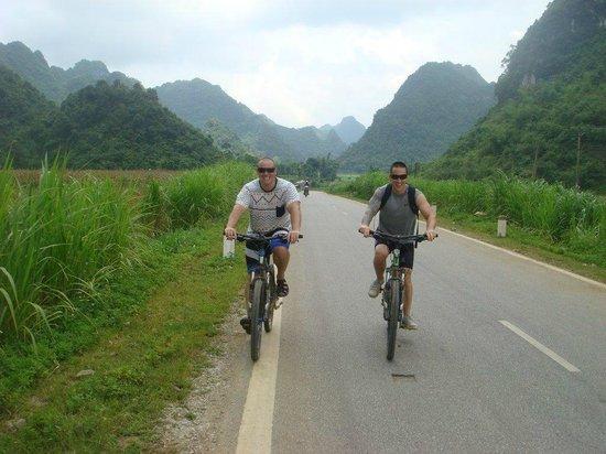Footprint Vietnam Travel Day Tours : cycling tour north vietnam