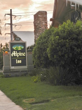 The Alpine Inn =D