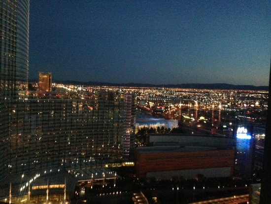 Vdara Hotel & Spa: View from room Dusk 1