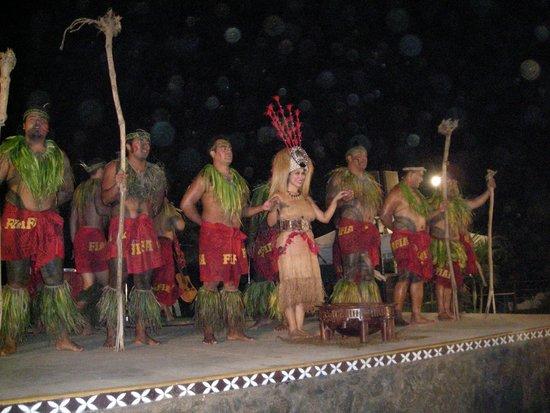 Chief's Luau : Excellent Dancers