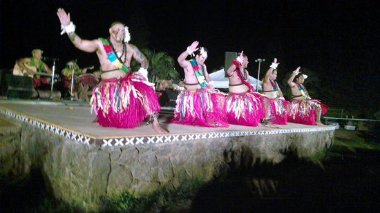 Chief's Luau : More of the performers