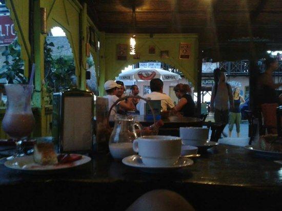 La Carreta: Postre, Cafe grande+rico, Batido de fresa!