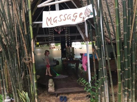 Milky Bay Resort: Massage