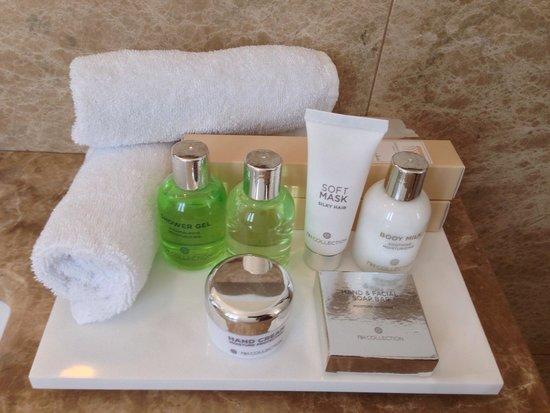 NH Collection Grand Hotel Convento di Amalfi: Accesorios de baño