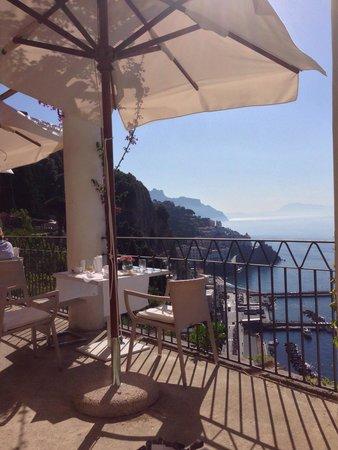 NH Collection Grand Hotel Convento di Amalfi: Terraza para desayuno