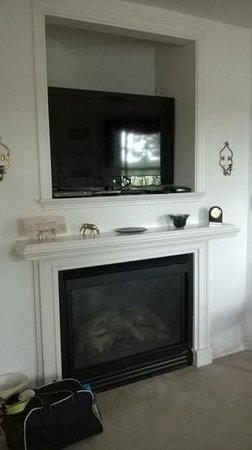 The Inn at Westwynd Farm: flat screen tv
