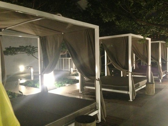 Sky City at Icon Brickell : Lounges
