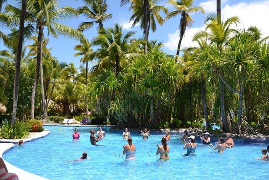 Paradisus Punta Cana: Bici acuatica en la piscina general