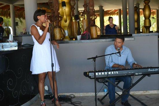 Paradisus Punta Cana Resort: Musica en vivo en el Gaby beach