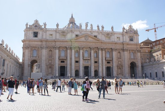 Paola your Personal Guide of Rome- Private day tours: St Peter's Square and Basilica - just amazing inside