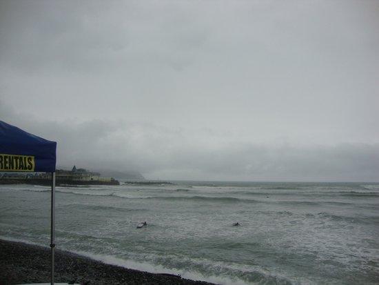 Pukana Surf school: The beach
