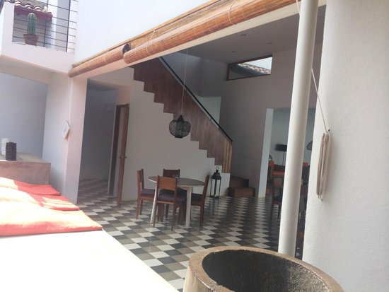 Los Patios Hotel : cool stairs to balcony suite