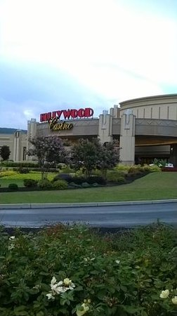 Hollywood Casino at Penn National Race Course: casino