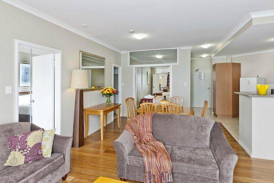 Mont Clare Boutique Apartments: Living Area