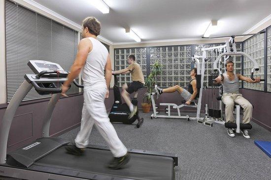 Mont Clare Boutique Apartments: Gym