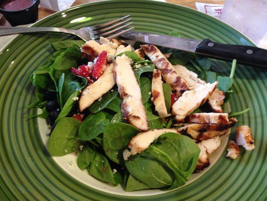 Applebee's: Berry and spinach salad