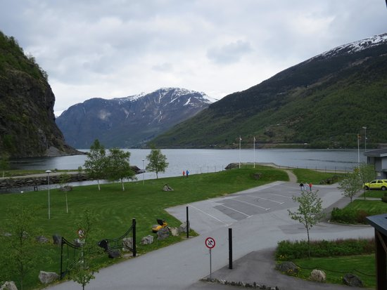 Flamsbrygga Hotell: View from room deck