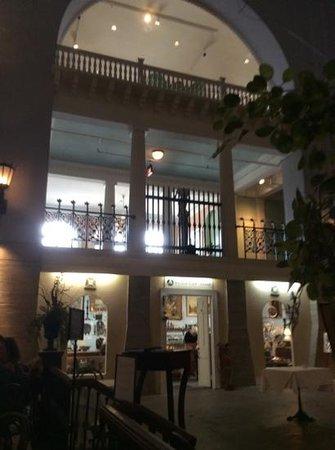 Cafe Alcazar : cafe alcazer