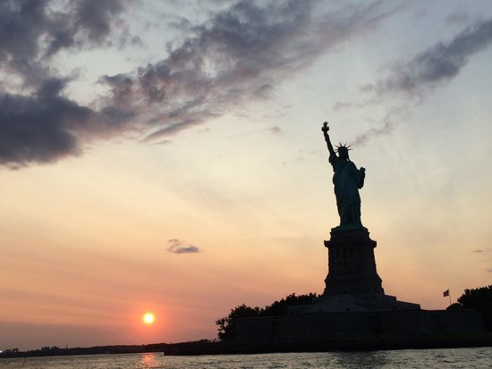 Uniterrupted views if statue of liberty just put yourself in the new york media boat adventure sightseeing tours lady liberty solutioingenieria Image collections