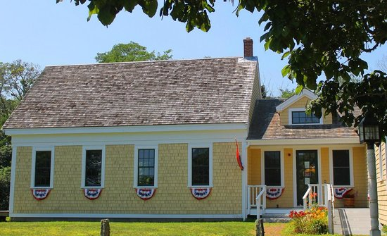 The 1869 Schoolhouse Museum: 1869 Schoolhouse Museum, Eastham (Cape Cod)