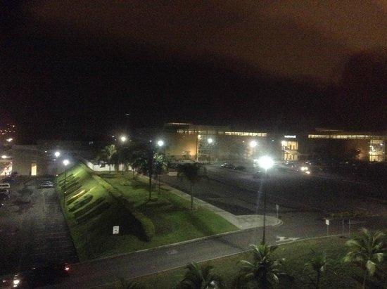 Courtyard Panama at Metromall Mall: metromall