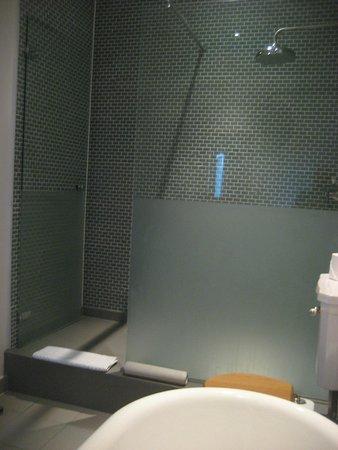 Hotel du Vin: Shower