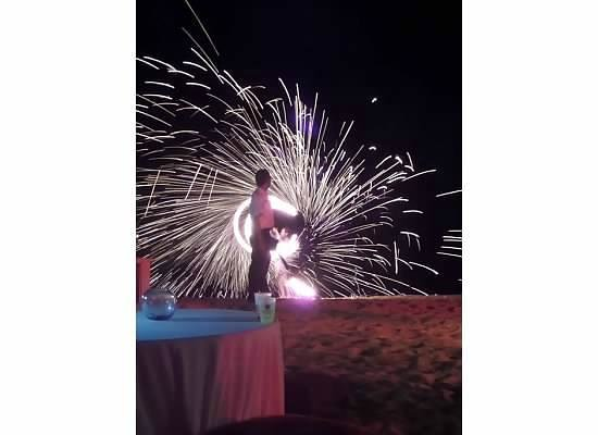 Sandos Finisterra Los Cabos : Whie Party/Fire Show on the beach