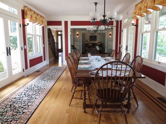 Barrington House Bed & Breakfast: Dining Room