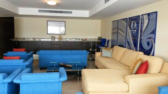 Ocean Two Resort & Residences : Concierge lounge