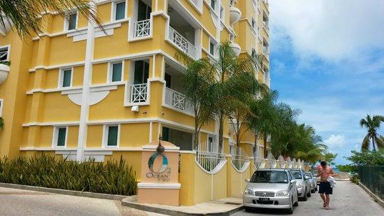 Ocean Two Resort & Residences : Ocean two from the street
