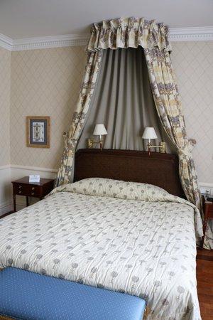 Stanhope Hotel: Bed