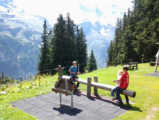 Eiger Guesthouse: Playground on kids trail, beautiful view