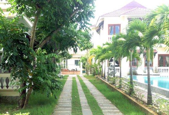 Hoi An Green Field Villas: great green