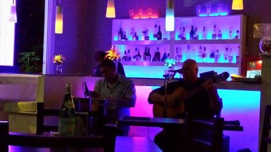 Z Gastro Bar: Live muziek
