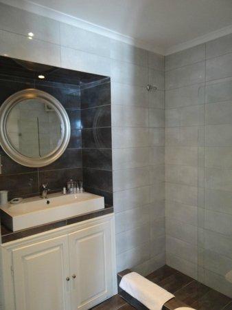 Agali Houses: Baño